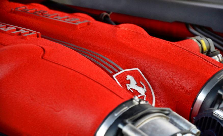 Ferrari California V8 4.3 460cv
